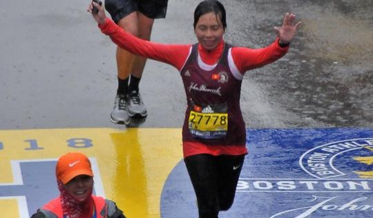 Mẹ phải đến Boston chạy Marathon!
