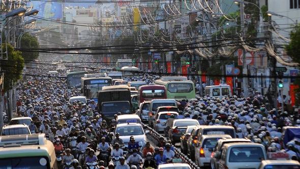 Sài Gòn đường chật xe đông, dự án giao thông nằm chờ vốn