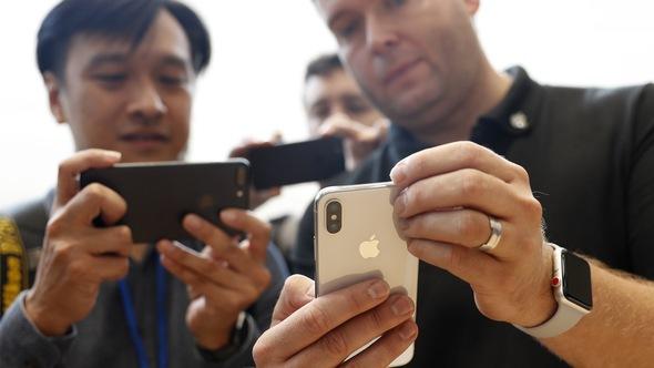 Trải nghiệm iPhone X ngoài đời thực