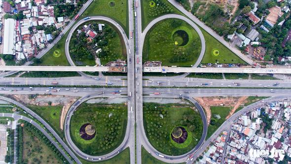 Xe cộ Sài Gòn nhìn từ flycam