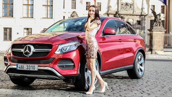 Mercedes GLE 2018 mới thêm những đường cong