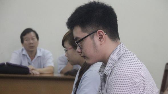 Nam sinh viên giết người tình đồng tính bị tâm thần?