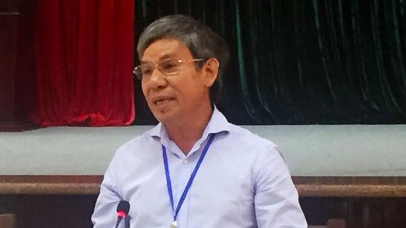 Bí thư thành ủy Vũng Tàu cúi đầu xin lỗi dân khi đối thoại