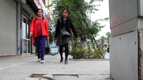 Nhiều quận Hà Nội hiểu sai chỉ đạo lát đá vỉa hè ồ ạt?