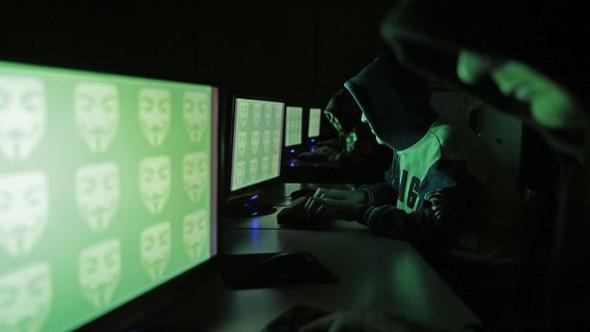 Hacker Nga khai tấn công đảng Dân chủ theo chỉ đạo tình báo Nga