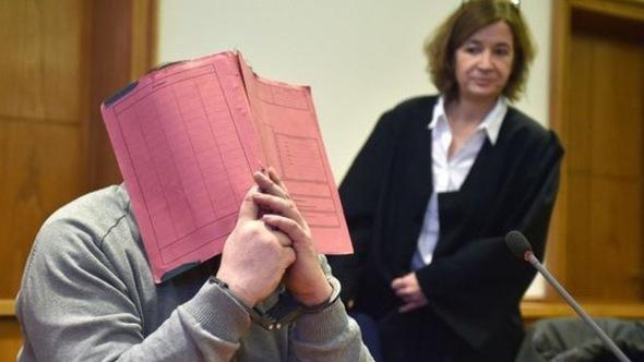 Kinh hoàng với y tá Đức bị cáo buộc giết ít nhất 100 người
