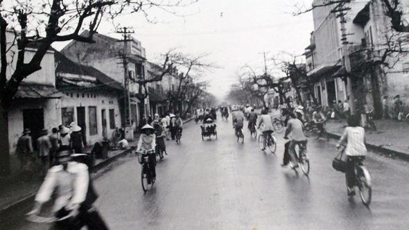 Ngắm ảnh Hà Nội đen trắng của nhiếp ảnh gia 99 tuổi