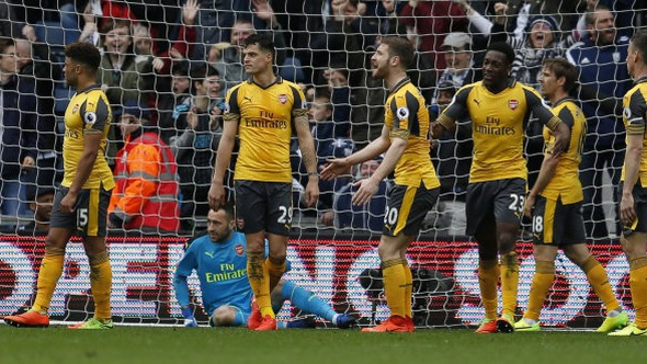 Arsenal thảm bại trước West Brom