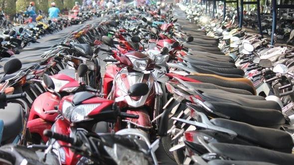 Sài Gòn cho phép giữ xe cao giá?