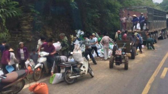Xác minh vụ 'hôi của' khi xe tải đâm vách núi, 2 người chết