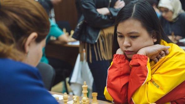 Tuyển cờ vua nữ VN đánh bại tuyển Azerbaijan