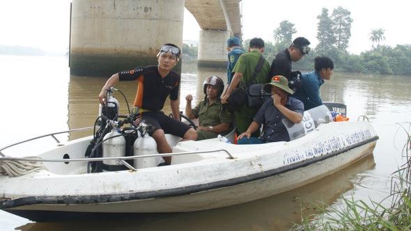 Tìm thấy thi thể người chồng nhảy sông Đồng Nai cứu vợ