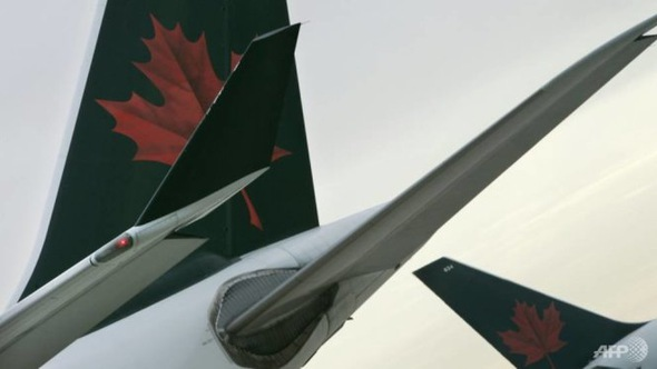 Máy bay Canada quất suýt rụng cánh máy bay Ba Lan