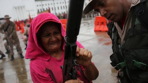 Venezuela huy động toàn dân đòi chống Mỹ