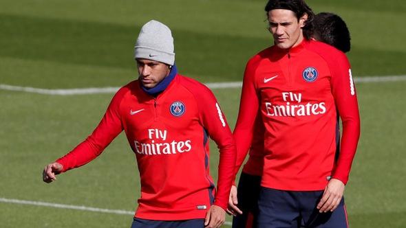 Neymar xin lỗi Cavani sau vụ giành đá phạt đền