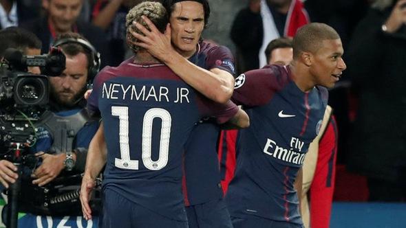 """Cavani và Neymar """"nổ súng"""", PSG đè bẹp B.M"""