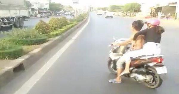 Bực xe khách bấm còi, nam thanh niên khiêu khích trước đầu xe