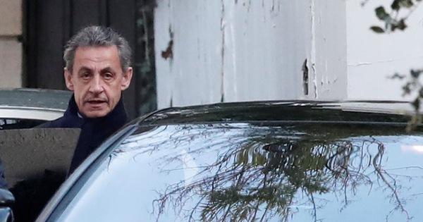 Cựu tổng thống Pháp Sarkozy chính thức bị điều tra.