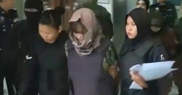 Video Đoàn Thị Hương bị cảnh sát Malaysia nai nịt súng ống áp giải