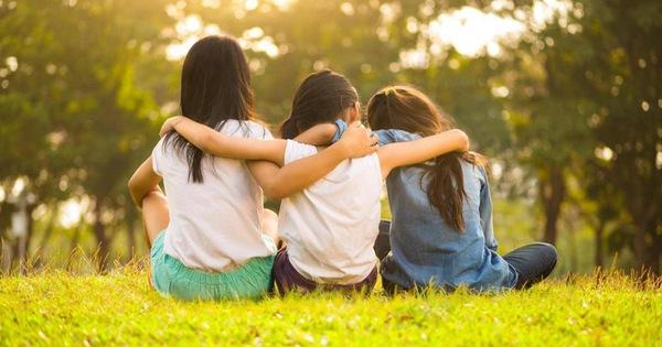 Trường mẫu giáo cấm trẻ gọi nhau là ''bạn thân''