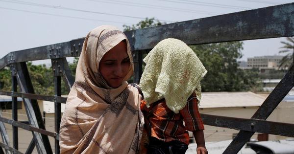 Pakistan nắng nóng đến 44 độ C, 65 người chết
