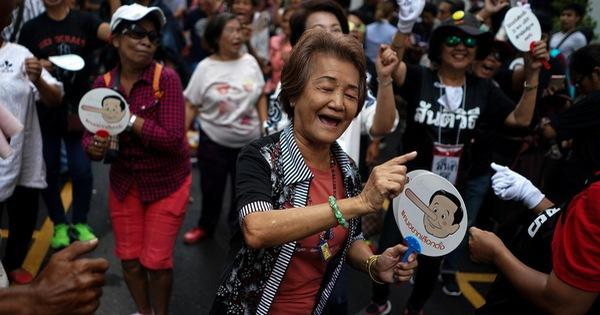 Người Thái biểu tình đòi bầu cử sớm