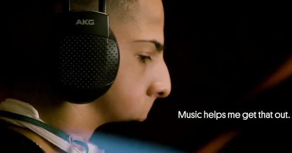Isaiah Acosta người nhạc sĩ tài ba chỉ có nửa khuôn mặt