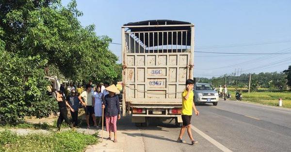 Tạm giữ tài xế xe tải tông chết vợ chồng thai phụ 9 tháng