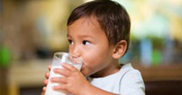 Sữa học đường phải bổ sung đủ 21 vi chất