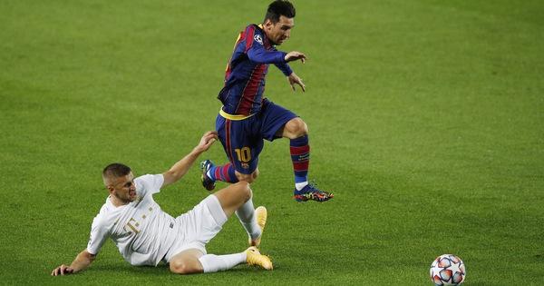 Chơi thiếu người, Barca vẫn thắng đậm ngày ra quân Champions League nhờ Messi