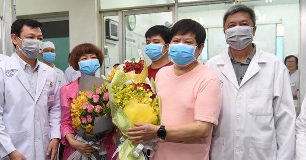 Lá thư 2 cha con nhiễm COVID-19 người Trung Quốc gửi bác sĩ Bệnh viện Chợ Rẫy