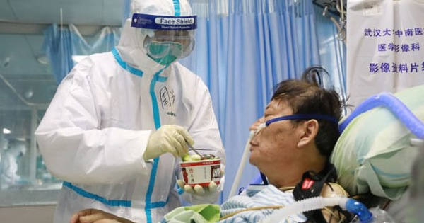 Y tá Vũ Hán viết tâm thư: ''chúng tôi cũng là con người''