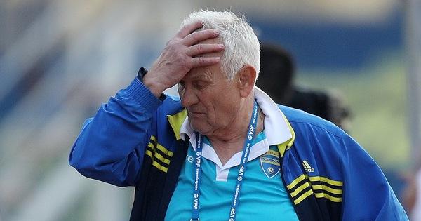 Vì sao HLV ngoại ít  thành công ở V-League?