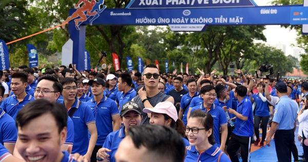 Giải chạy bộ hưởng ứng ngày không tiền mặt 2020: Ngày đầu háo hức
