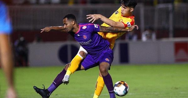 Trực tuyến CLB Sài Gòn - Thanh Hóa (hiệp 1) 2-0: Ahn Byeong Geon và Tấn Tài lập công