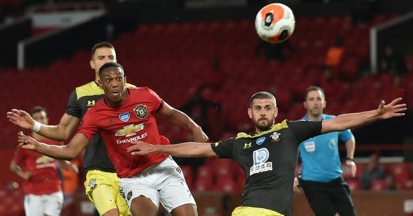 Đua top 4 Giải ngoại hạng Anh (Premier League): Những đôi chân M.U, Chelsea và Leicester run rẩy