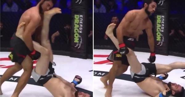 Võ sĩ MMA nằm ngửa trên sàn đấu vẫn 'đánh gót' trúng mặt hạ đo ván đối thủ