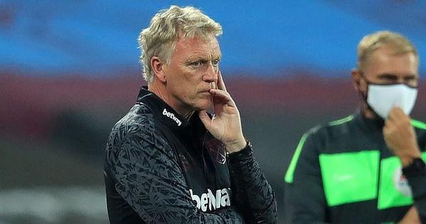 HLV Moyes và hai cầu thủ West Ham dương tính với Covid-19