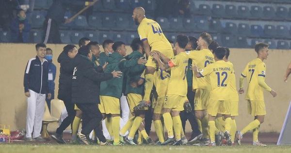 CLB Nam Định - Hà Nội 3-0: Cái kết đẹp cho ngày khai cuộc