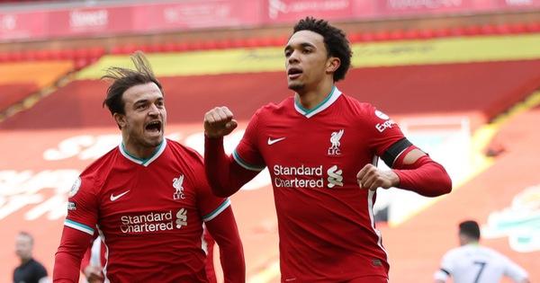 Thắng nghẹt thở Aston Villa, Liverpool vào tốp 4