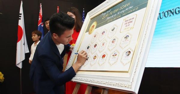 Quang Hải trở thành sinh viên Trường ĐH Kinh tế