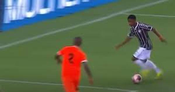 'Neymar mới' độc diễn ghi bàn y hệt trò chơi playstation, Man City lập tức ký hợp đồng