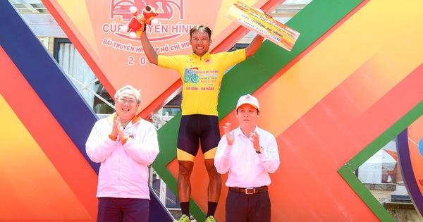 Nguyễn Trường Tài lật đổ cựu tuyển thủ xe đạp U23 Pháp