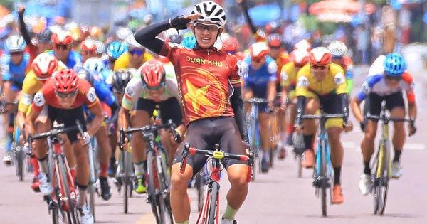 Tay đua 18 tuổi bất ngờ 'lật kèo' các tay đua nước rút tại Quy Nhơn