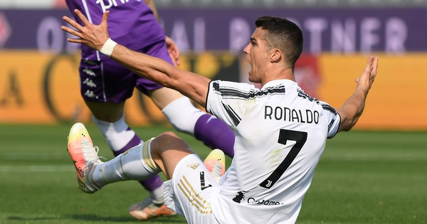 Ronaldo nhạt nhòa, Juventus hòa thất vọng Fiorentina