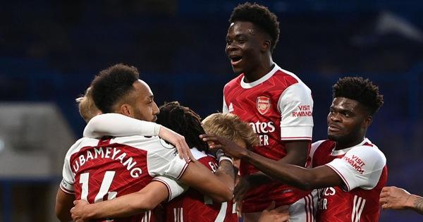 Arsenal hạ đo ván Chelsea ngay tại Stamford Bridge