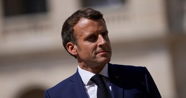 Tổng thống Pháp đổi điện thoại vì sợ phần mềm nghe lén