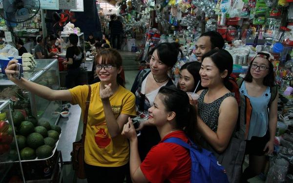 Mang Đà Nẵng đến bạn bè quốc tế