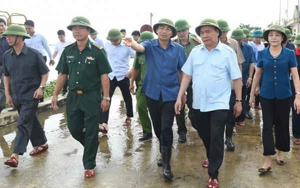 Hủy mọi cuộc họp, Thủ tướng thị sát, chỉ đạo hộ đê tại Ninh Bình