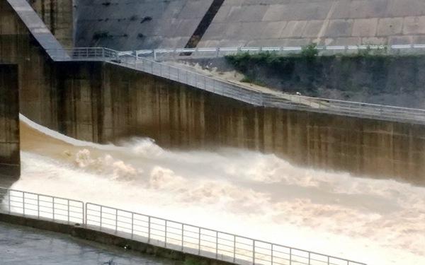 Huế: Mưa đầu nguồn đang giảm, nước các sông đã hạ